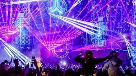 A laser show delights the crowd on the Defqon.1 main stage. Source: Twitter/@FrenchEDMLovers.