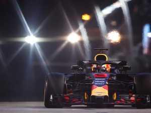 Hamilton takes pole in Singapore, Ricciardo sixth
