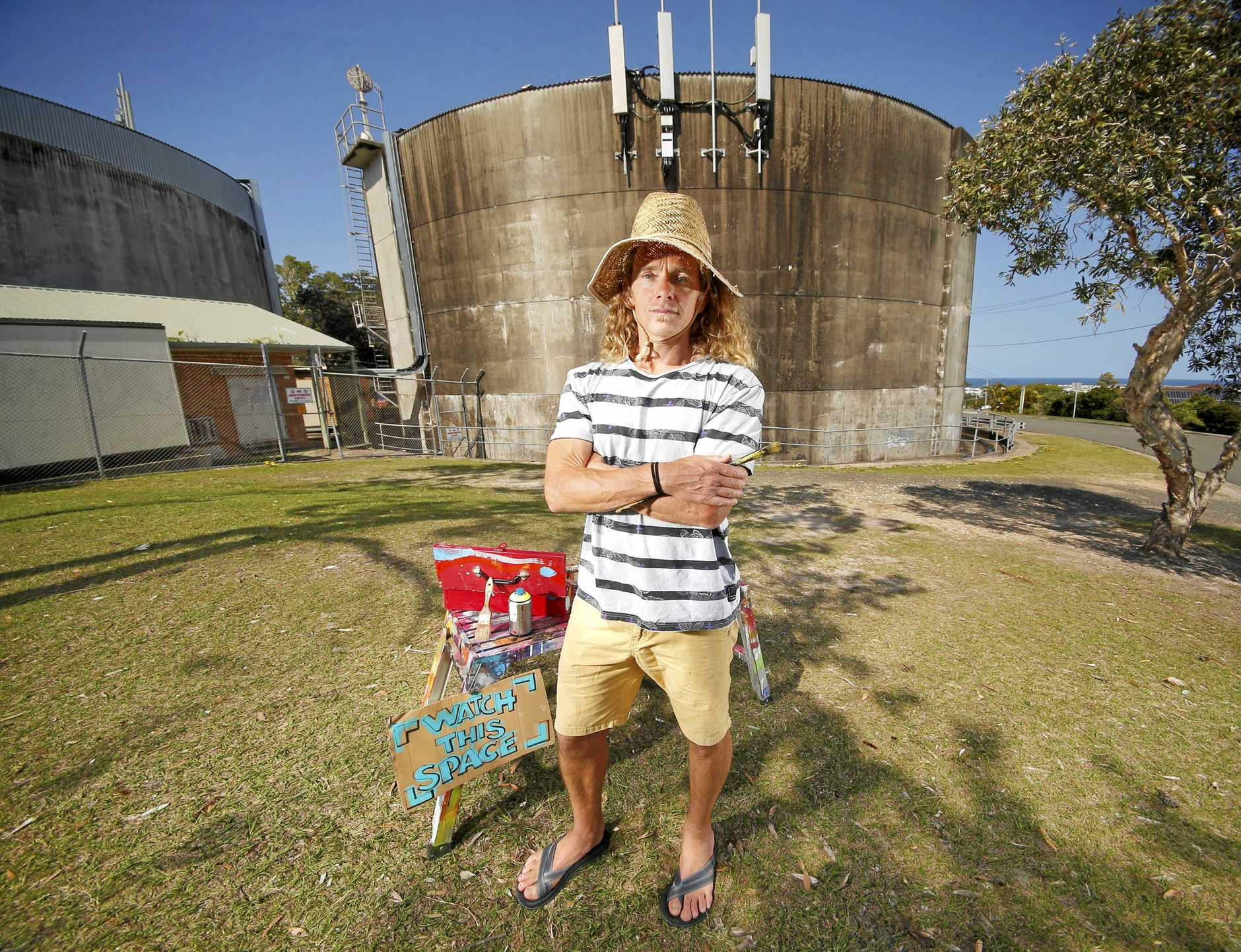 Painting the Kingscliff water tower could be a great community-building exercise, says local artist Glenn Case.