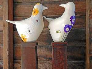 Flock to art exhibit featuring pottery of feathered friends