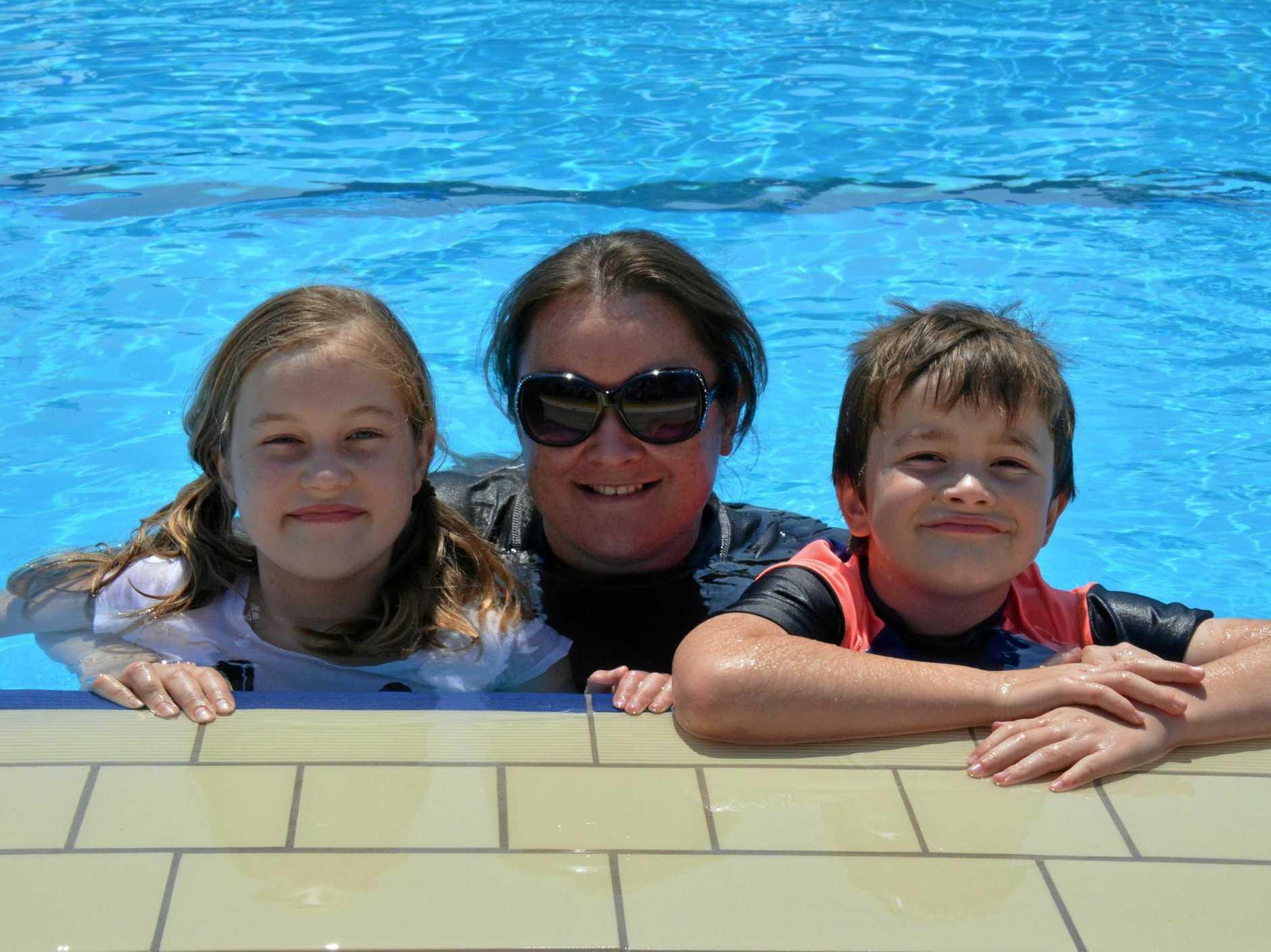 Jemima, Elisha and Reuben Wolter at Kingaroy pool.