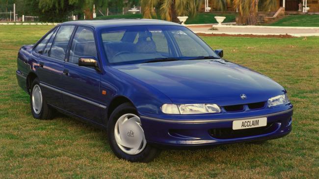 Carsguide 3571m Holden VR Commodore (1993-1995)