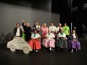 Azar dancers