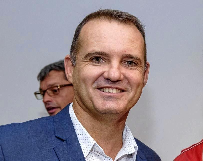 Cr Peter Cox