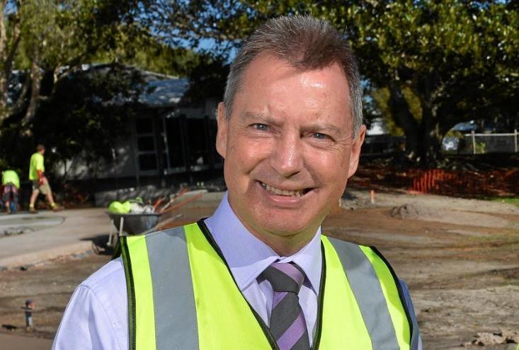 Cr Steve Robinson