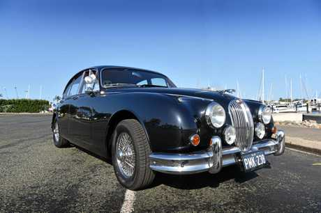 Peter Lehrke drives a 1962 Jaguar Mk2 3.8l 6 cyclinder.