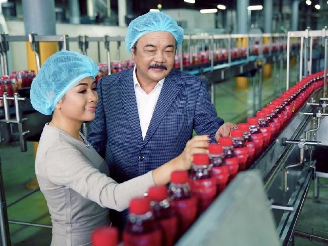 Phuong Uyen Tran and her father Qui Thanh Tran turned down billions from Coca-Cola for a controlling share in their family company.