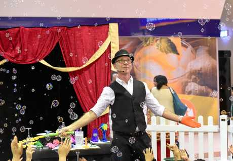 THE MAGIC OF BUBBLES: Catch Magic Glen these school holidays at Rose City Shoppingworld.