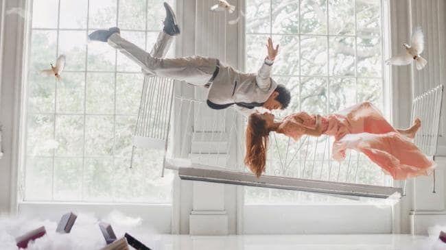 China has gone crazy for lavish 'pre-wedding' photos.