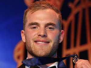 Hawthorn's Tom Mitchell wins Brownlow Medal