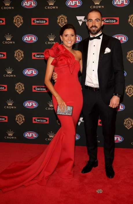Alisha Edwards and Steele Sidebottom of the Magpies.
