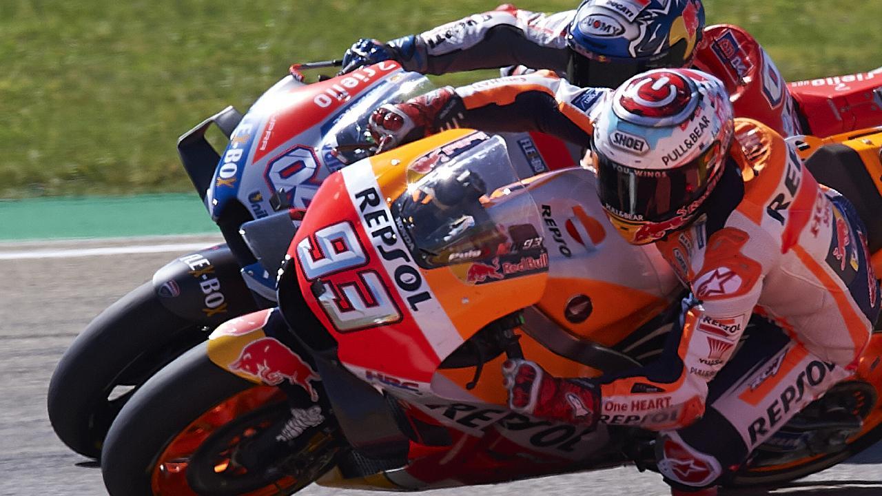 Marc Marquez won an enthralling Aragon MotoGP over title rival Andrea Dovizioso.