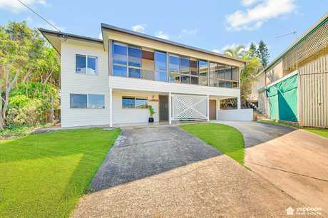 Home sales in the seaside suburb surrounding 9 Ray St have seen a 17.1% surge in the last year making it the best performing suburb on the Capricorn Coast.