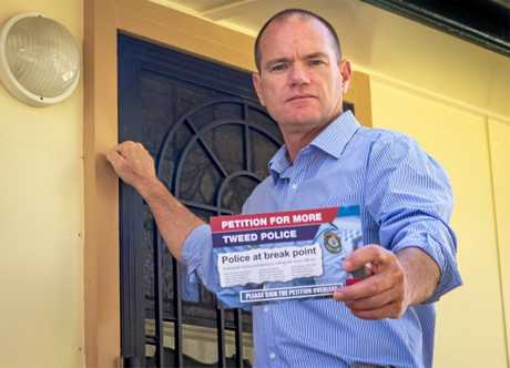 BATTLE LINES: State Labor Candidate for Tweed Craig Elliot petitions for more police in the Tweed.