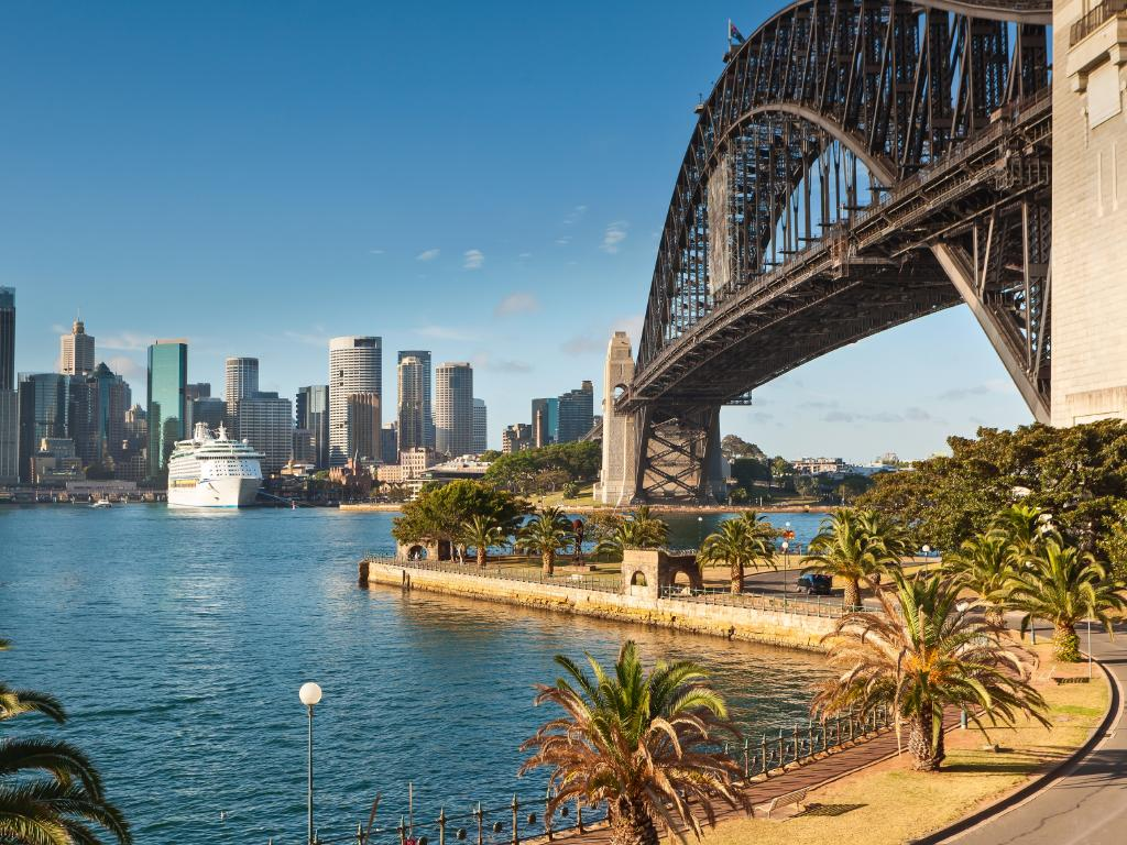 Passengers on planes and cruise ships could get a virtual reality experience of Sydney as they arrive.