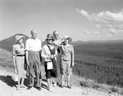 Duke and Duchess of Gloucester (left) at a picnic in Beerburrum state forest, during their visit to Australia from 20 March to 26 April 1965. The - **Courtesy National Archives of Australia