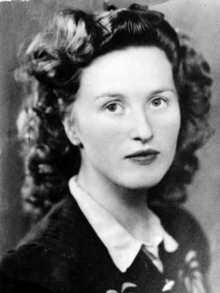 Anne Hamilton-Byrne was born Evelyn Edwards..