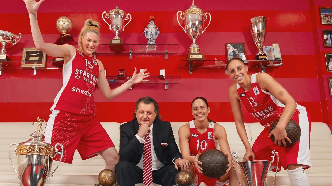 Spartak team owner Shabtai von Kalmanovich treated his star players well, but Lauren Jackson often felt uneasy. Picture: Bob Martin /Sports Illustrated/Getty Images