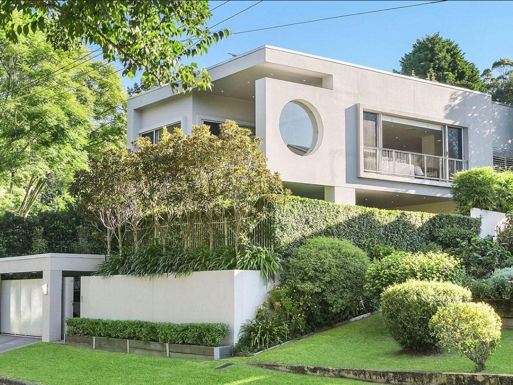 3 Fairholme St, Mount Lofty, has sold for $1.085m