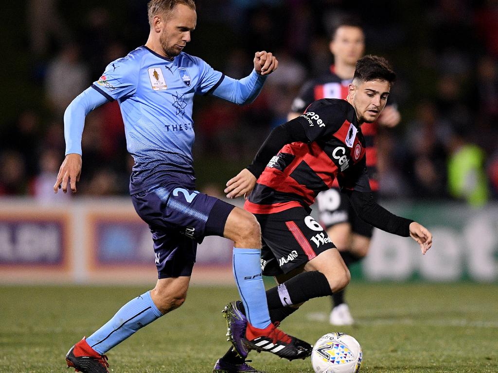 Sydney FC midfielder Siem de Jong on the ball on Saturday night. Picture: AAP