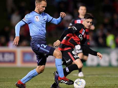 Sydney FC midfielder Siem de Jong on the ball on Saturday night. Picture: AAP