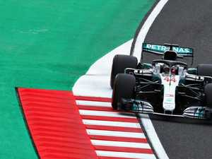 Mercedes builds during rain, wind-affected F1 session