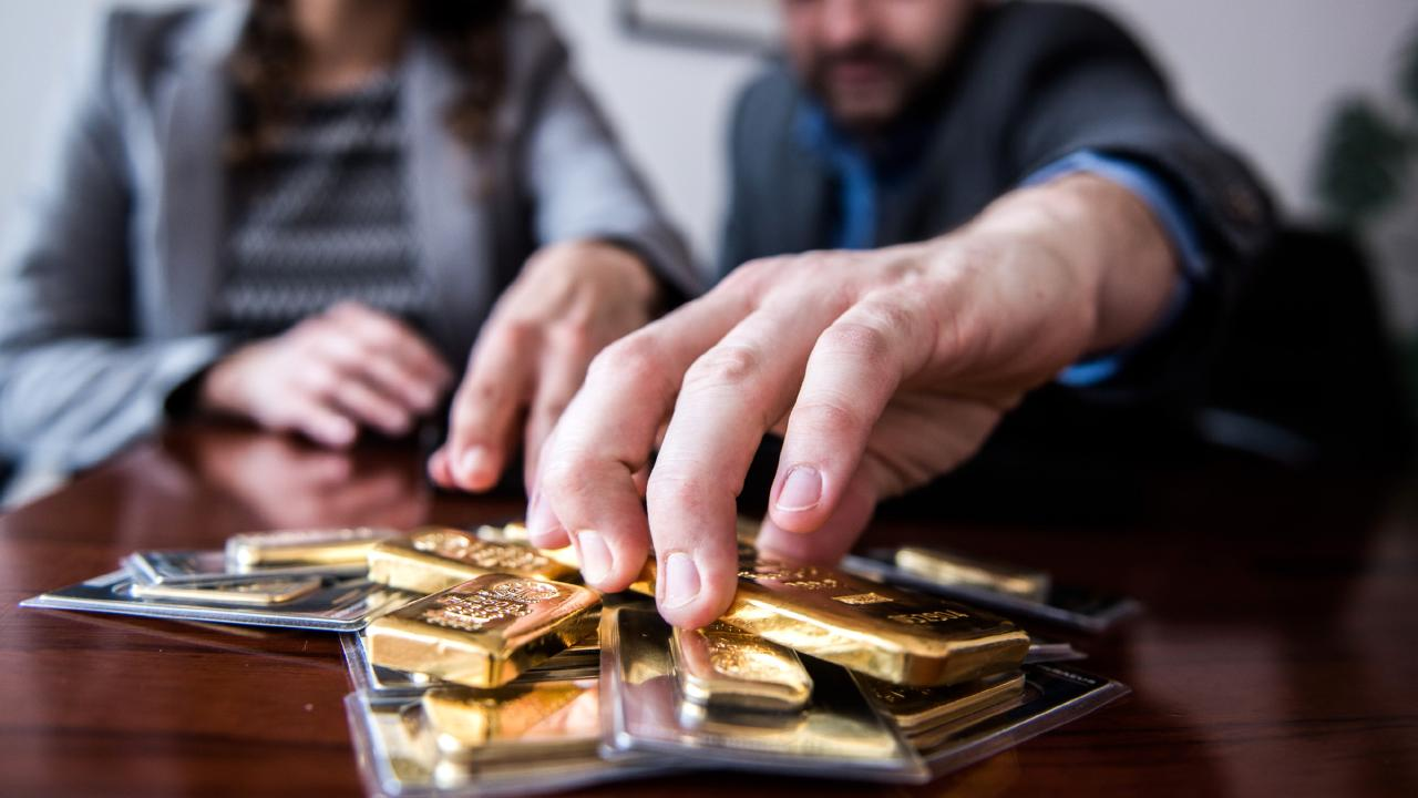 If you're nervous about currency, gold is a great option. Picture: Akos Stiller/Bloomberg