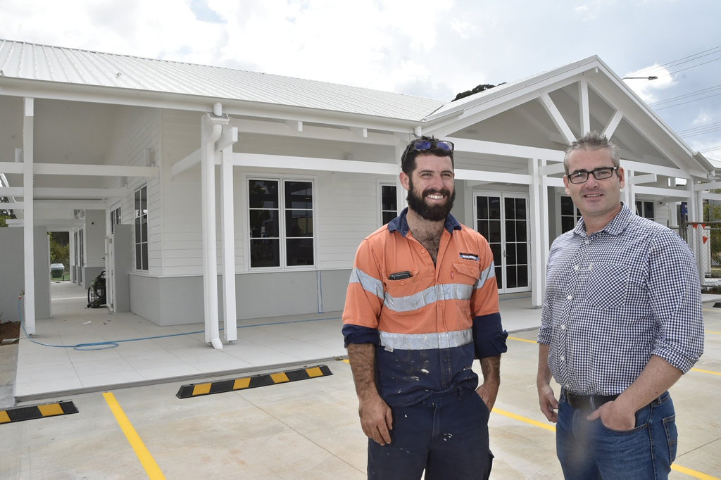 Damian Mills (left) and Alex McMahon The Summer House nears completion at Seachange Toowoomba, over 50s living. Hampton Street. Pradella Property Ventures . Harristown. October 2018