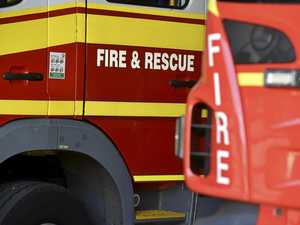 Grass fire threatens back of North Mackay business
