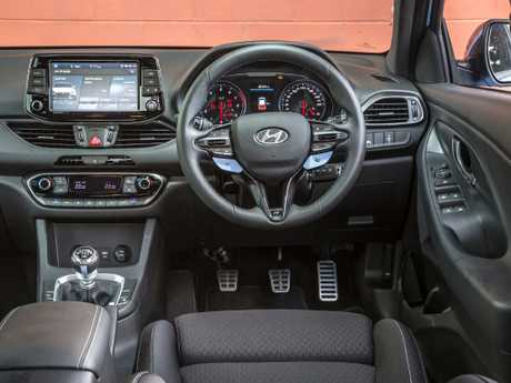 Old-school elements: i30 N also has cabin luxury pack option