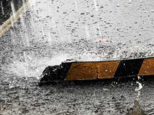 Wet weather sweeps over Roma