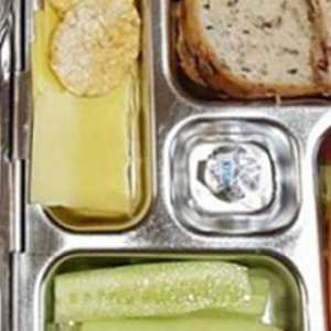 Mum Shamed Over Unhealthy Lunch Box