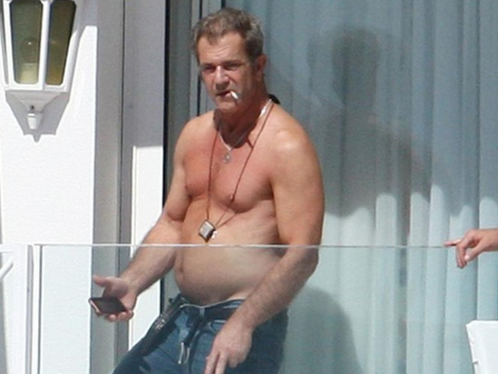 "Mel Gibson was unhappy with his appearance and complained he couldn't get rid of the ""middle-aged spread""."