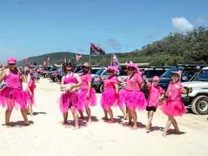 Bright colours to hit the beach for 4x4 Pink Run