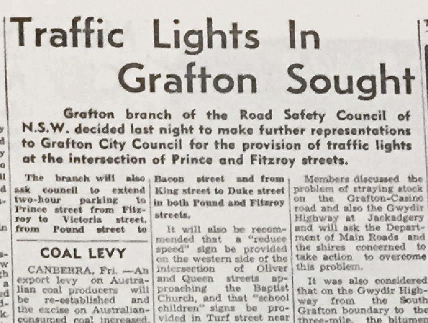 Traffic light article