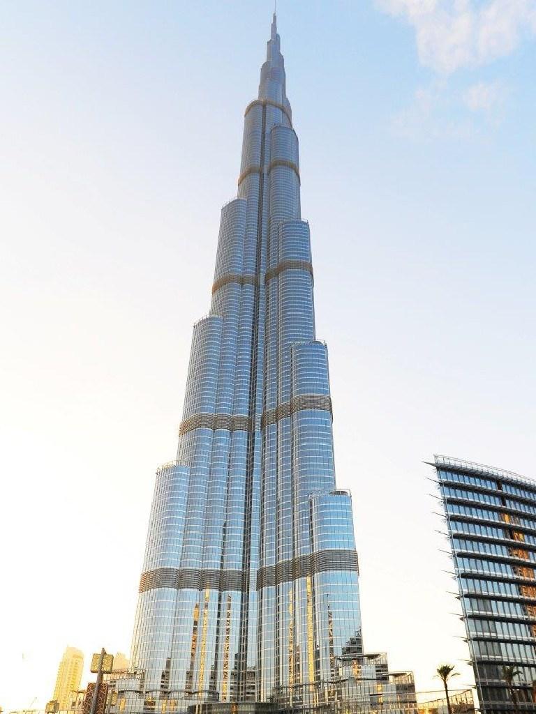 Gold Coast Mayor Tom Tate hopes his city can build a tower to rival the world's tallest – Dubai's 830-metre Burj Khalifa.Burj.