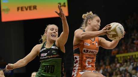 Jamie-Lee Price of the Giants (R) has earned a call up to the Diamonds. Picture: Getty Images