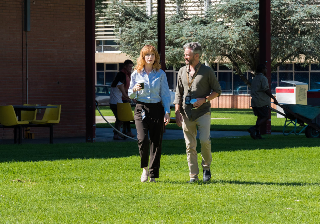 Jacqueline McKenzie and Stephen Curry in a scene from Pine Gap.