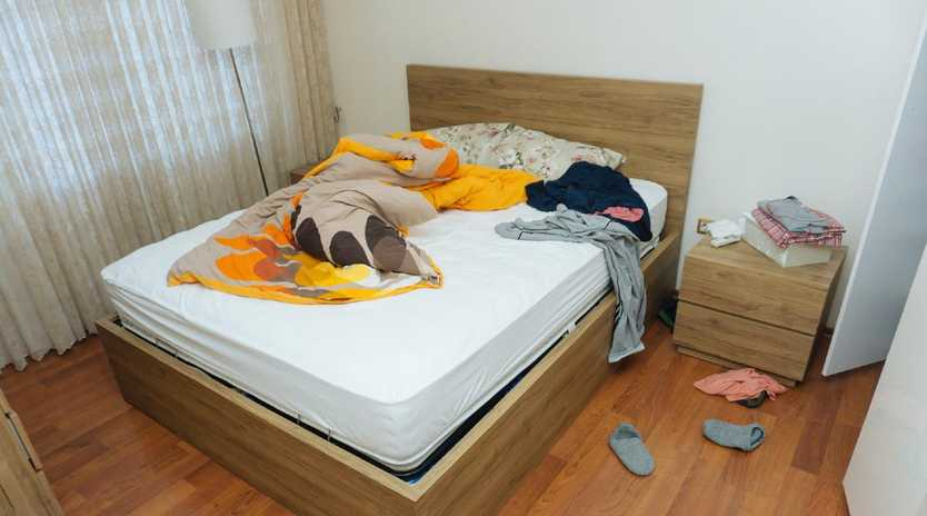 Avoid clutter and an unmade bed.