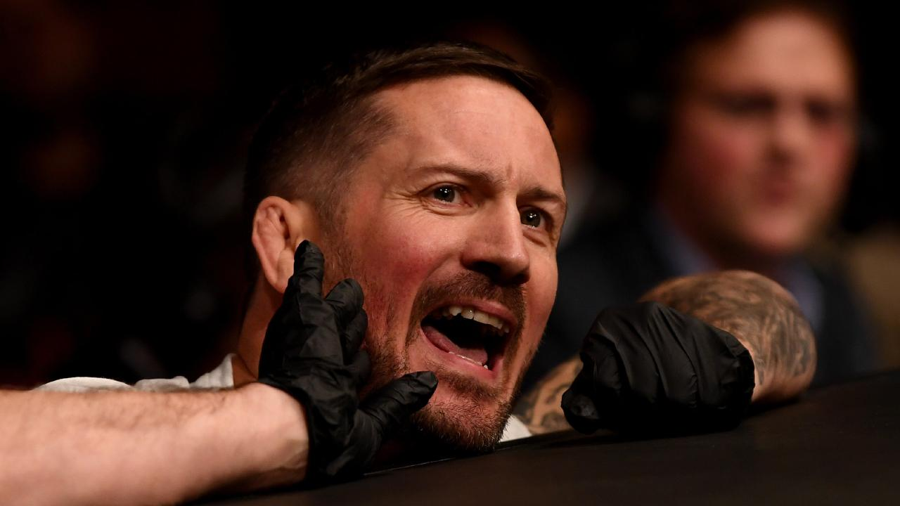 Coach John Kavanagh instructs McGregor at UFC 229. (Photo By Stephen McCarthy/Sportsfile via Getty Images)