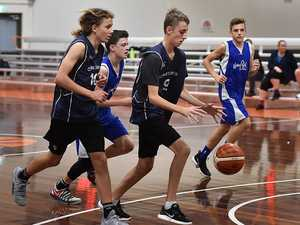 Noosa Blue against Creekers Navy u/16 basketball