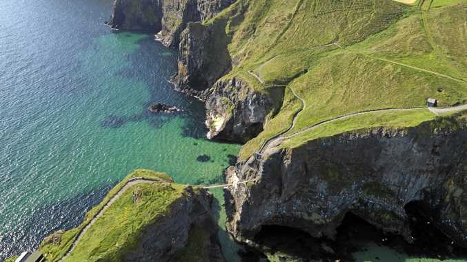 Carrick-a-Rede Rope Bridge is a rope suspension bridge near Ballintoy, Co Antrim. The bridge links the mainland to the tiny Carrick Island.