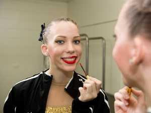MKY171018Eisteddfod Tia Attwood, 17, applies lipstick