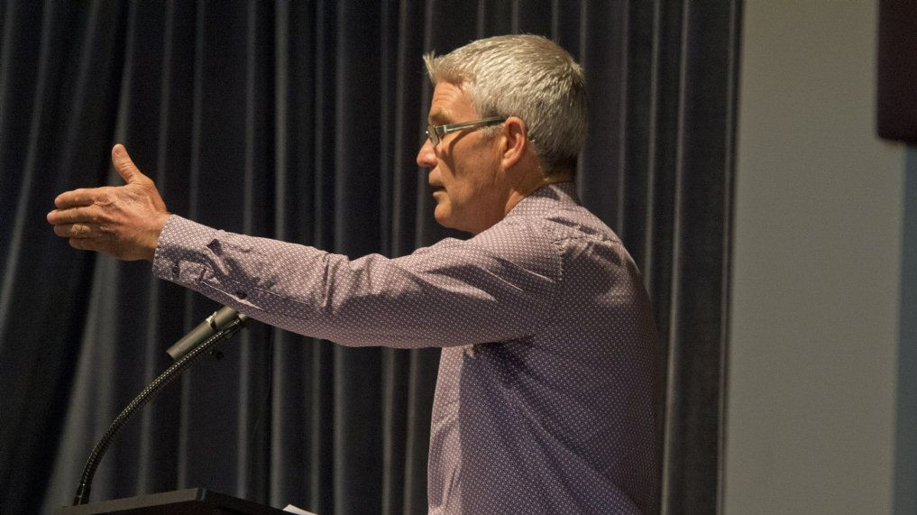 Bill Cahill. Toowoomba Regional Council Candidate Forum at the City Golf Club. Wednesday 3 Mar , 2016.