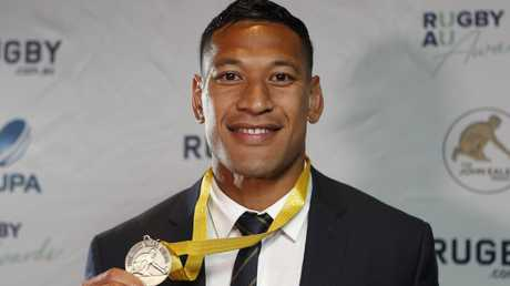 Wallabies star Israel Folau poses after winning the John Eales Medal in 2017.