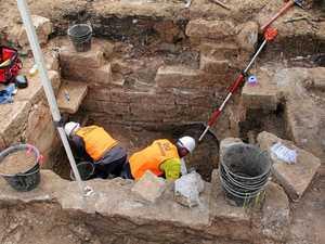 Bones found as pollie's crypt 'baffles' USQ diggers
