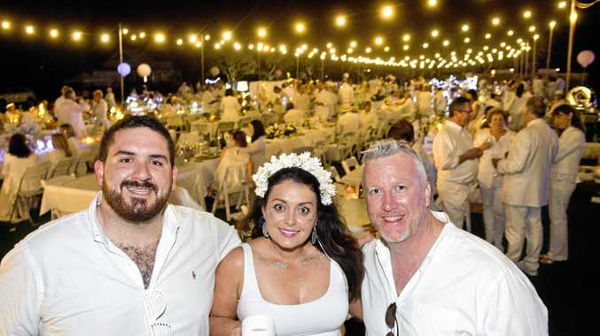 PHOTOS: Hundreds gather in all white for international event
