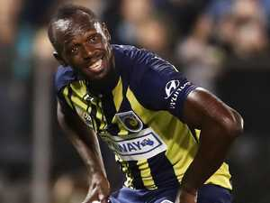 Coach in dark as Bolt offered Mariners contract