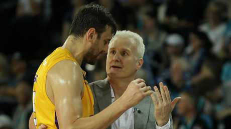 Andrew Bogut and Andrew Gaze talk tactics. Picture: AAP