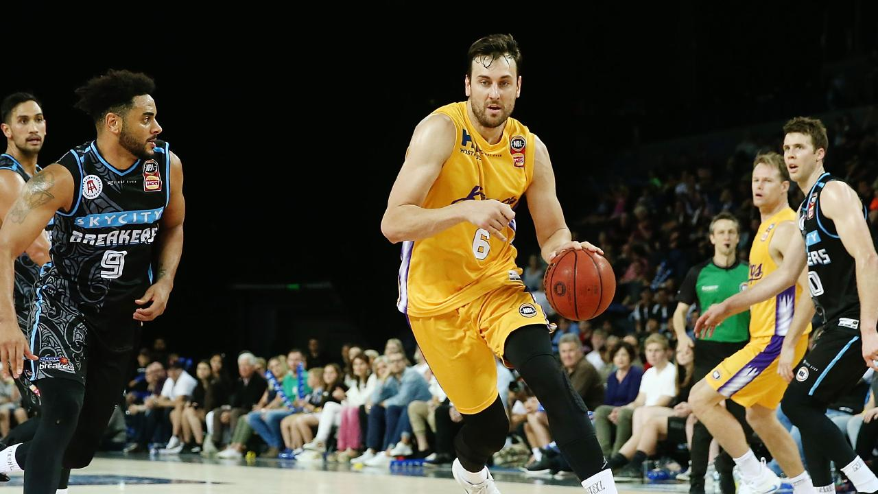 Andrew Bogut drives to the rim. Picture: Getty